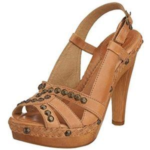 Frye Dara Honeycomb Slingback Heels